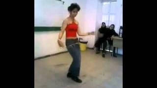Repeat youtube video رقص زیبای دختر ایرانی با تمام محدودیتها