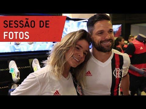 Diego participa de sessão de fotos na Adidas da Gávea