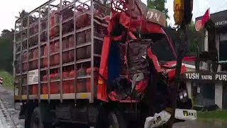 തൃശൂർ ദേശീയ പാതയിൽ ലോറിക്ക് പിന്നിൽ ലോറിയിടിച്ച് ഡ്രൈവർ മരിച്ചു   Thrissur accident death