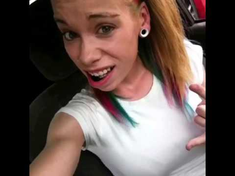 Watch Anthony Bustoss Vine Chewing Tobacco And Her Female Call She