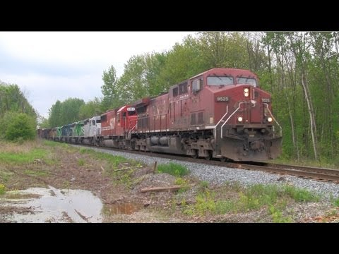 Canadian Pacific Train with 8 Locomotives! [HD]
