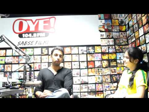 Interview of RJ Rahul Makin from OYE 104.8 FM - Shares His College Life Experiences