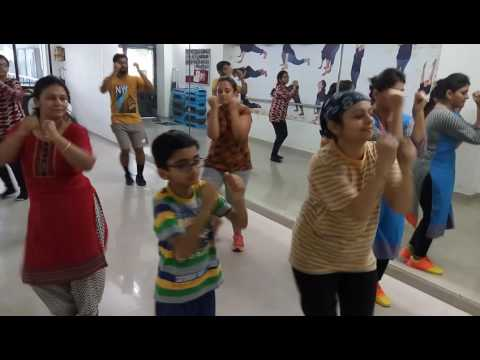 Zumba workout on Break Up Song from movie ADHM