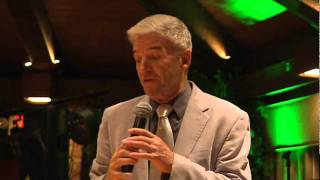 Tom Dreesen Receiving 2011 Chicago Legend of the Year Award