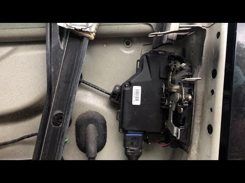 TUTORIAL: How to remove / replace door lock module on VW Golf Mk5, Jetta in 18 steps
