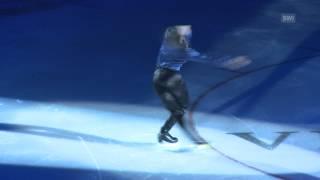 プロフィギュアスケーターのステファン・ランビエールがすべてを監督し...