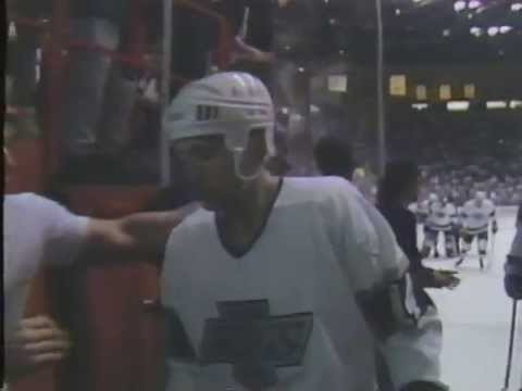 Tony Granato OT goal - Kings vs Flames - GM3 Smythe Division Semifinals (4/8/90)