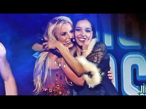 Britney Spears, Tinashe - Slumber Party (Live @ B96 Jingle Bash) - YouTube