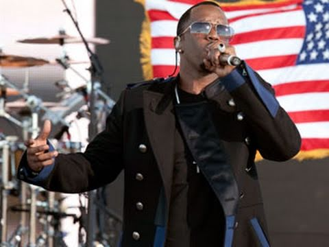 Tribute to the Troops: Diddy-Dirty Money performs