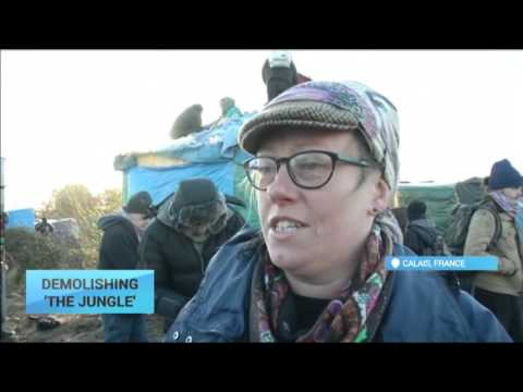 Demolishing 'the Jungle': Police press ahead with 'the jungle' migrant camp demolition in Calais