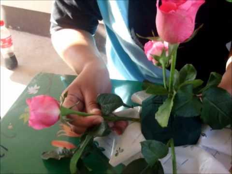 การจัดดอกไม้แบบครึ่งทรงกลม