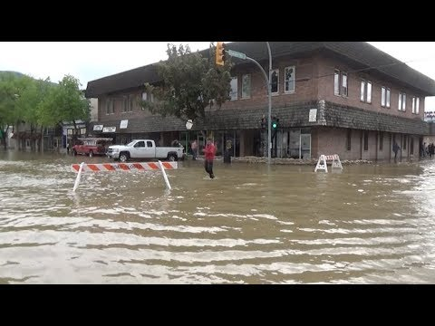 Raw: Grand Forks underwater
