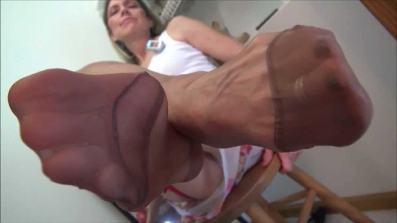youtube wife dancing in pantyhose
