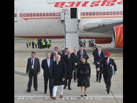 PM Modi arrives at Heathrow International Airport, London