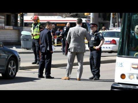 شاحنة تدهس عددا من المارة في وسط مدينة تورنتو الكندية وتقتل 10 أشخاص  - نشر قبل 2 ساعة