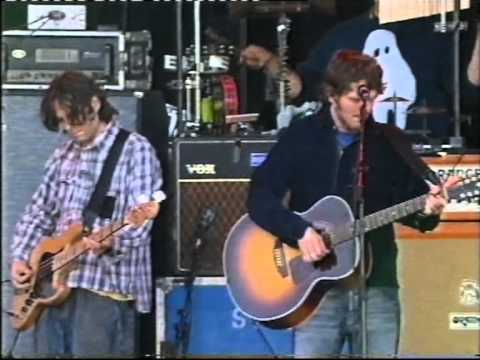 Super Furry Animals - Juxtaposed With You - T In The Park 2003