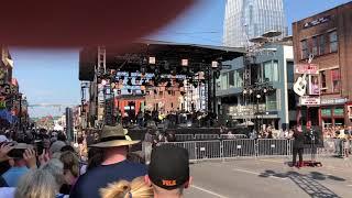 Brand New Man - Luke Combs and Brooks & Dunn CMT Crossroads 6.4.19
