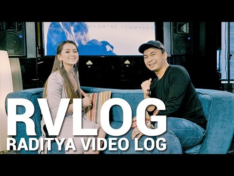 Squishy Di Bangkok : GIVEAWAY TOPI FILM HANGOUT! Doovi
