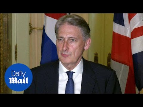 Philip Hammond holds bilaterals and signs agreement in Cuba - Daily Mail