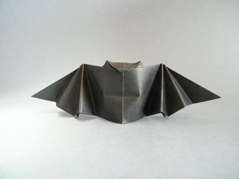 Origami Halloween Flapping Bat Full HD