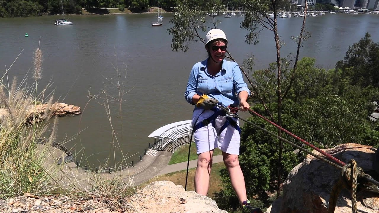 video Abseiling Kangaroo Point Cliffs