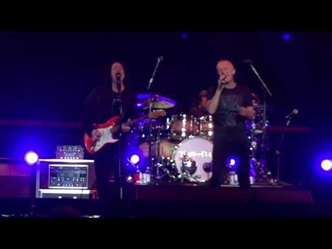 Tears For Fears - Everybody Wants To Rule The World (live) - Staples Center LA - September 15, 2017