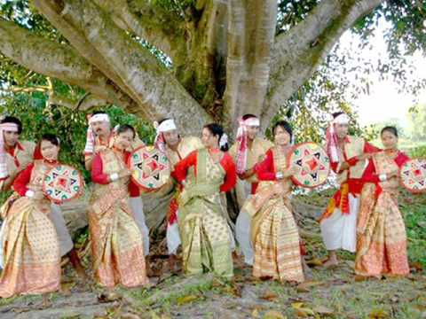Moyna Cholat Cholat Korere. Bengali Folk Song