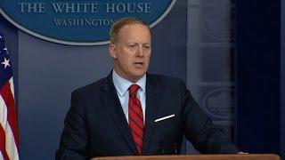 White House's Spicer stumbles over Hitler reference