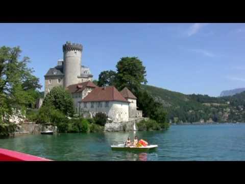 Balade sur le lac d'Annecy merveille de la Savoie