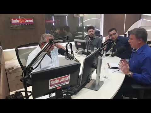 Alvaro Dias concede entrevista a Geraldo Freire, na Rádio Jornal em Recife