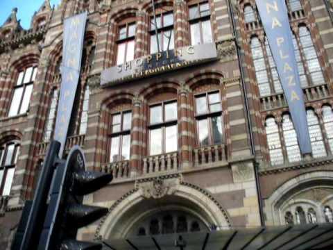 Amsterdam: Magna Plaza