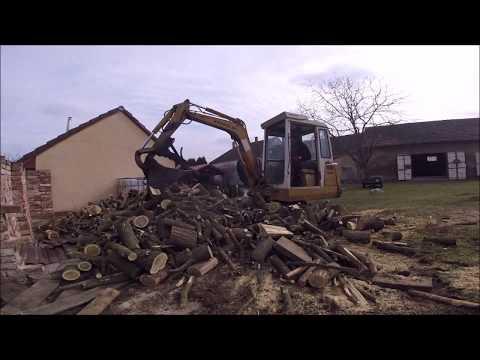 Holzarbeit Mit Baggerdaumen,Tag 4 Und 5 Und Bau Eines Zauns Mit Altreifen