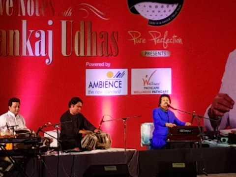 Pankaj Udhas || Aaj Phir tumpe pyar aaya hai || Live Performance || Delhi