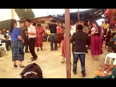 Baile en majcha San Pedro soloma