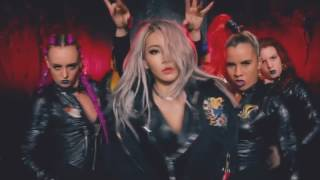 CL ft . Iggy Azalea   Hello Bitches (Official Video)