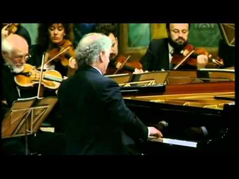 Mozart, Piano Concerto Nr 13 C KV 415 Daniel Barenboim Piano & Conducting  Vienna philharmonic