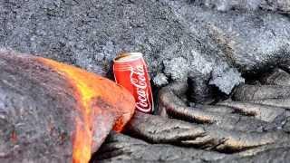 Cuando una lata de Coca-Cola y la lava se encuentran