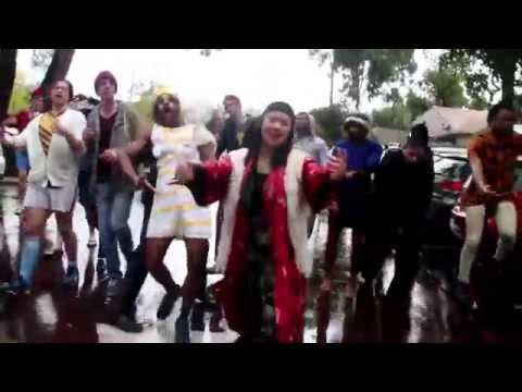 Thrift Shop (Macklemore & Ryan Lewis) // Trinity UWA Lip Dub 2015