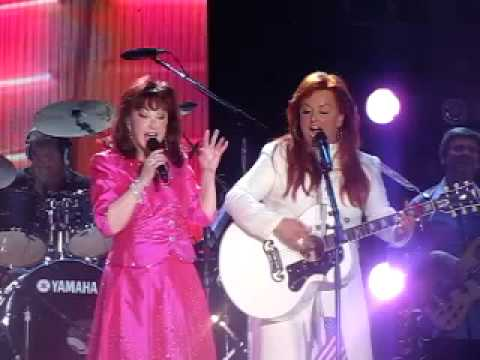 the judds girls night out cma music fest 09