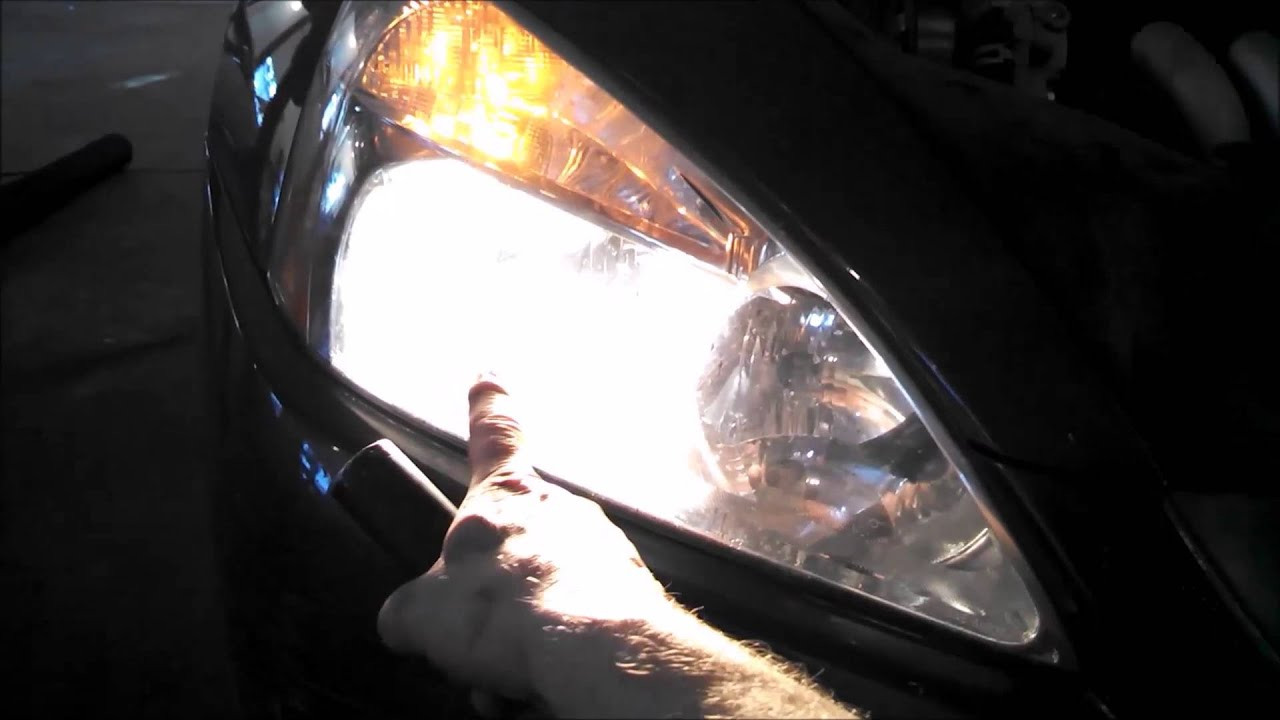 Headlight Bulb Replacement Honda Accord Ex 2005 Install Remove Replace Youtube