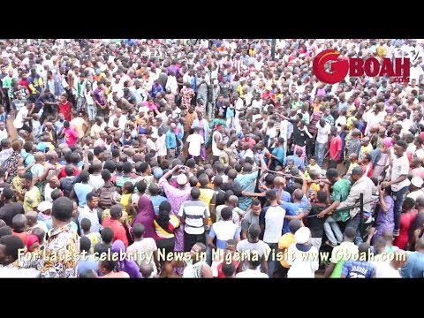 Massive Crowd At Uncoverd kidnappers, Ritualists' Den In Obadeyi Ajala Agbado, Lagos [Graphic Video]