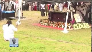 """Mpoto Awaliza Viongozi na Familia Kwenye Msiba wa Ruge Mutahaba""""Bukoba"""""""