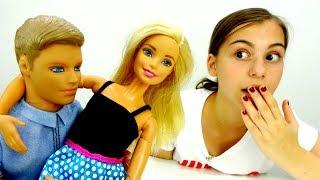Видео для девочек - Барби влюбилась в учителя - Игры в куклы