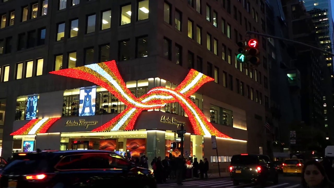 New york city christmas 2017 holiday lights on 5th ave for New york in christmas 2017