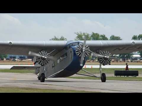 Oshkosh: Ford Tri-Motor EAA AirVenture (Indiana Jones plane) - HD