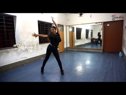 Chaliya Chaliya - Sayani Roy | Tashan | Kareena Kapoor | Sunidhi Chauhan | Piyush Mishra