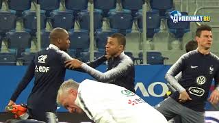 Kylian Mbappe wins young player of tournament award