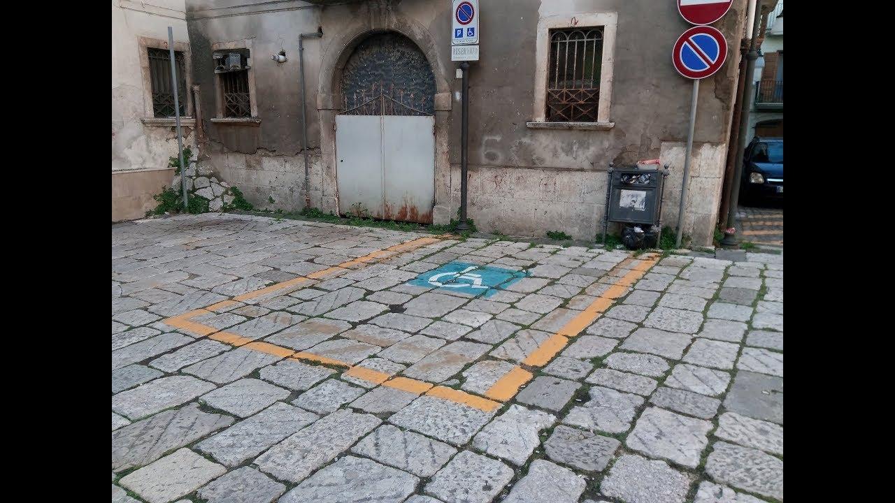 """""""SONO STATA MINACCIATA DA UN ASSESSORE DI ATRIPALDA PER IL POSTO AUTO A ME RISERVATO""""."""