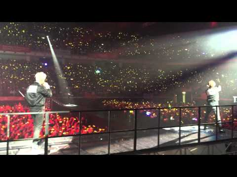 Seungri saves Daesung from fireworks - Big Bang 2015 World Tour [MADE] In Malaysia 25.07.2015