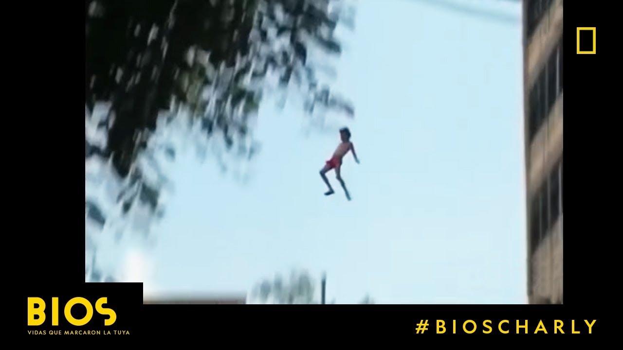 #BiosCharly en Nat Geo | Charly García contó por qué se tiró de un 9° piso a una piscina |
